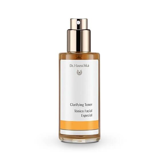 Lotion Clarifiante régule et purifie la peau.