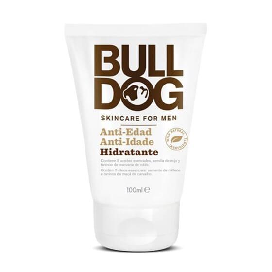 La Crème Hydratant Anti-Âge de Bulldog prend soin de la peau des hommes.