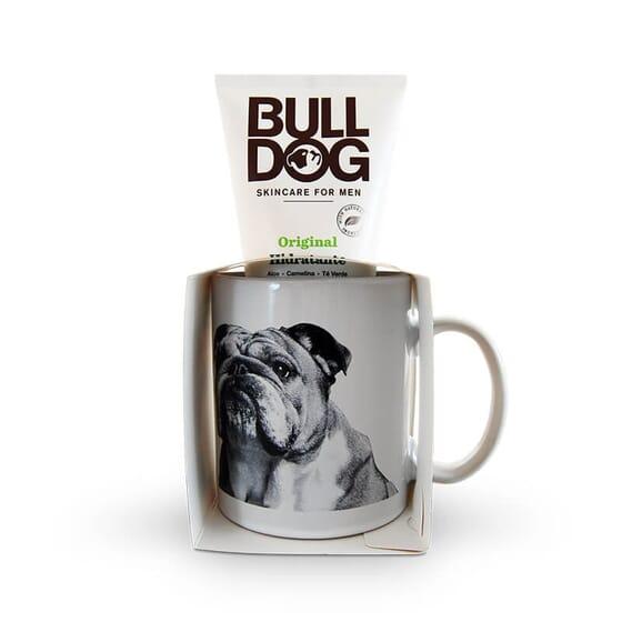 Bulldog Original Crème Hydratante a été conçue spécialement pour la peau des hommes.