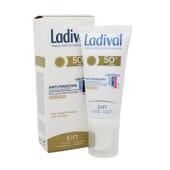 EMULSIÓN PROTECTORA ANTIMANCHAS CON COLOR SPF50+ 50 ml de Ladival