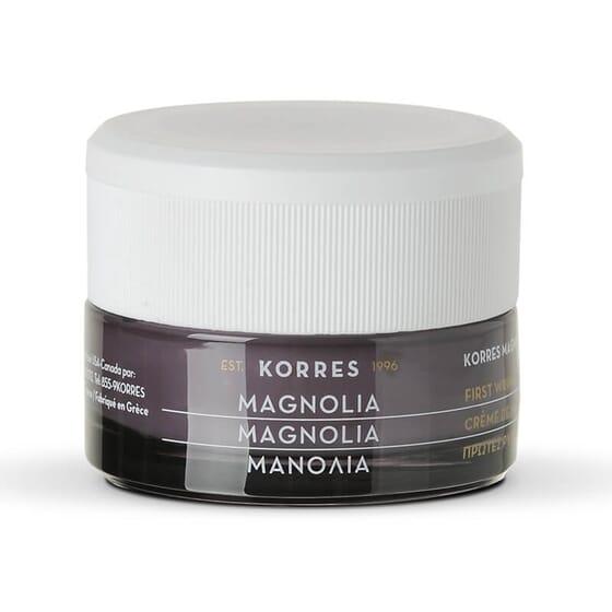La Crème de Nuit Premières Rides Magnolia de Korres hydrate et prévient les rides.