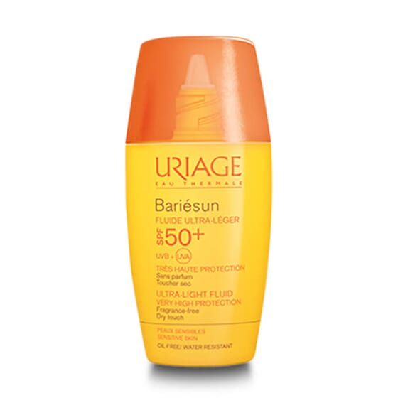 Bariésun Fluido Ultraligero SPF50 protege del sol la piel sensible del rostro.